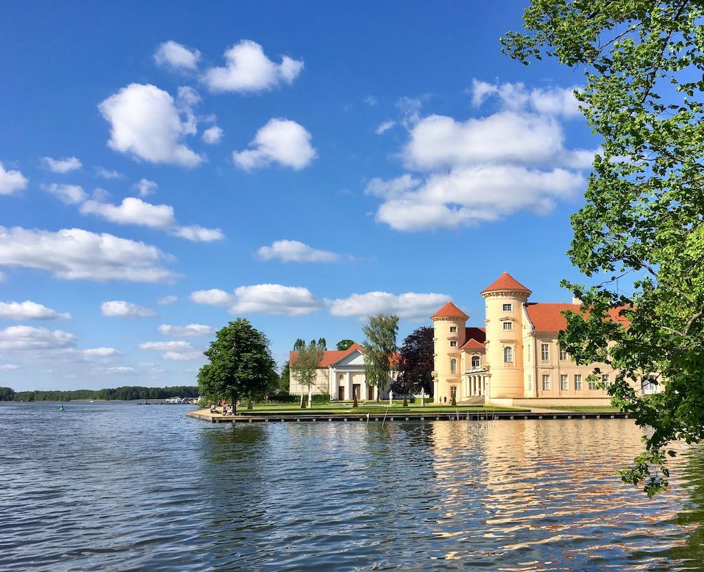 Rheinsberg Schloss im Sommer ©Oliver Numrich