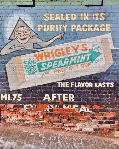 Alte Wrigleys-Plakatwerbung ©CC0 via pixabay.com