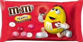 Diese M+Ms mit Erdnusskern haben zumindest ein Valentins-Motiv auf der Verpackung.