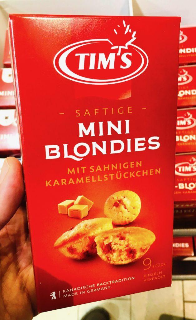Tim's Saftige Mini Blondies mit sahnigen Karallestückchen Muffins