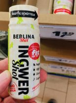 Dieser Ingwer-Shot kommt aus Berlin und hat auch noch einen Fit for Fun-Aufklber auf seiner Flasche - zwei Gründe, skeptisch zu sein!