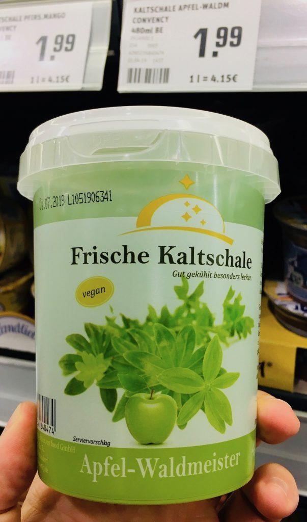 Frische Kaltschale Apfel-Waldmeister