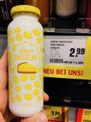 Das ist schön: Lemon Cheesecake-Geschmack für einen Smoothy - mit viel Zitrone. Originell, aber kräftig teuer mit 2,99 Euro.