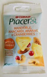 Conad Eigenmarke PiacerSi Nussmischung mit Mandeln Cranberries Ananas und Cashewnüssen