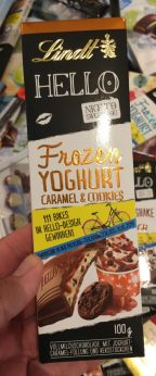 Lindt Hello Frozen Joghurt Caramel+Cookies 100 Gramm