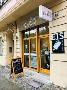 Das Naschhaus Schreinerstraße 15 in Berlin-Friedrichshain von außen.