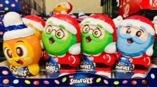 Nestlé Smarties Weihnachtsmänner in Smartie-Form