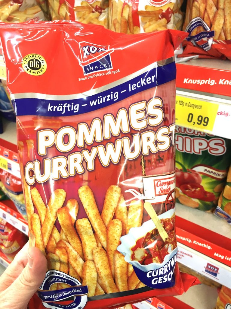 XOX Pommes Currywurst