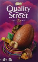 Nestlé Quality Street-Riesen-Schokoladenei gefüllt mit Karamellbonbons