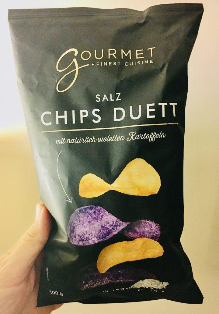 Aldi Gourmet Salz Chips Duett mit natürlichen Kartoffeln – lila Kartoffeln 100 Gramm