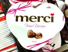 Ideales Arzt-Geschenk: Storck Merci Feine Herzen Herzpraliné in Herzverpackung 2019