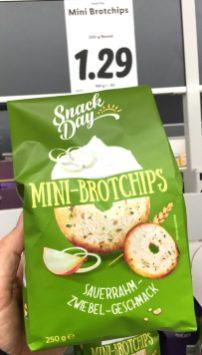 Lidl SnackDay Mini-Brotchips Sauerrahm-Zwiebel-Geschmack 250 Gramm