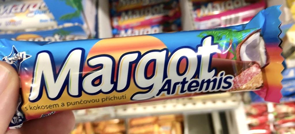 Nestlé Orion Margot Artemis Schokoriegel mit Kokos und Pfirsich Tschechien