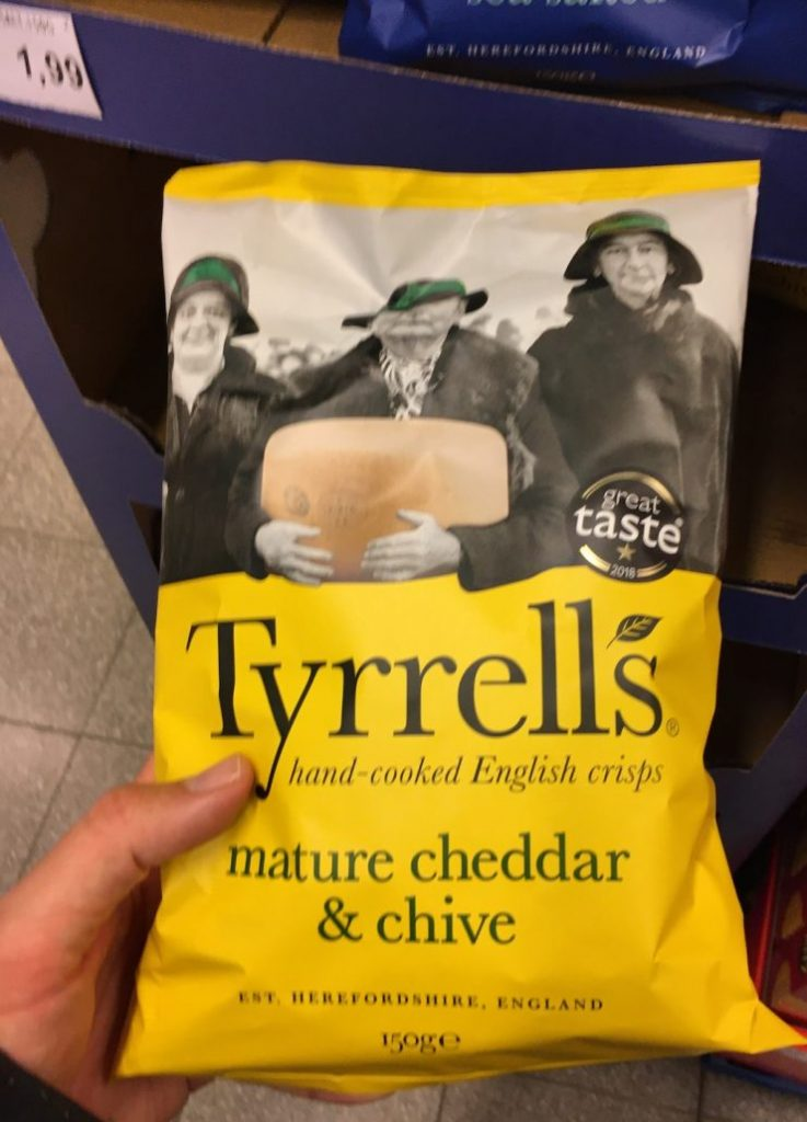 Tyrell's mature Cheddar +chive 150G