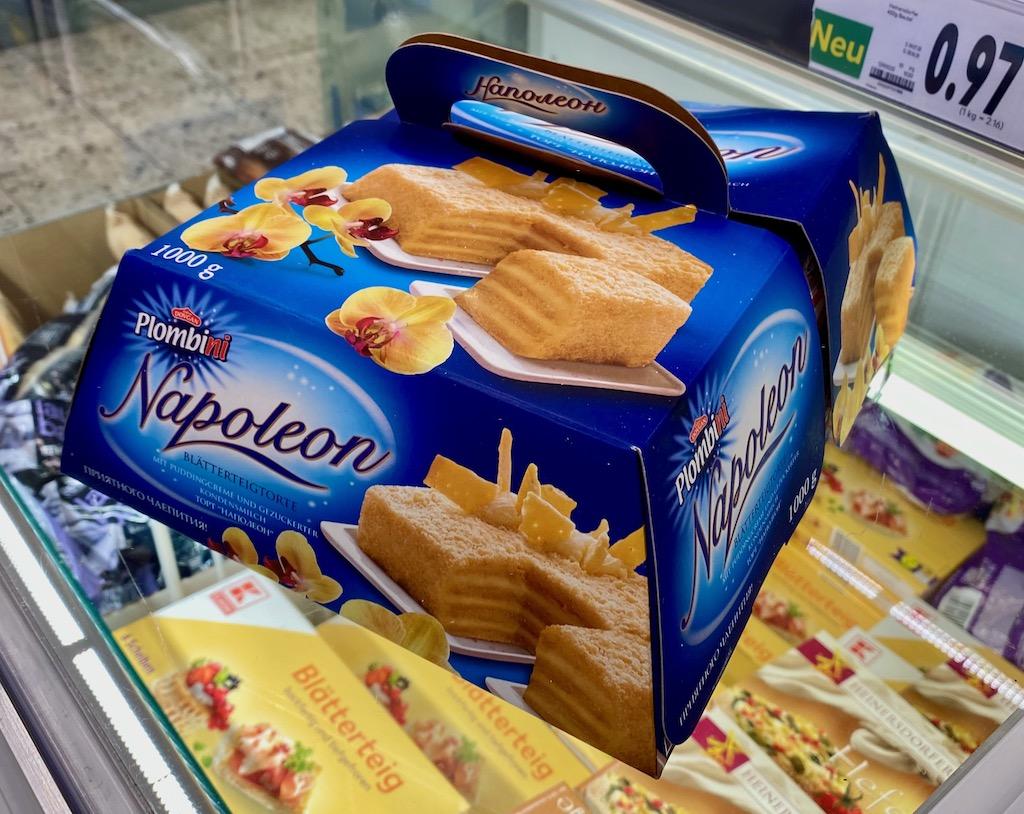 Plombini Napoleon Blätterteigtorte tiefkühl mit Puddingcreme und gezuckerter Kondensmilch