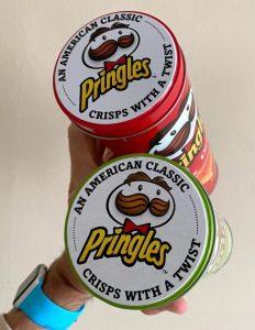 Pringles Metalldosen von oben
