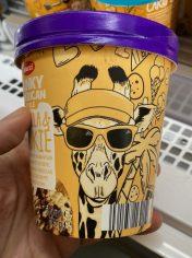 Aldi Mucci Funky American Style Giraffe Vanilla Cookie 500ML Pint Eiskrem