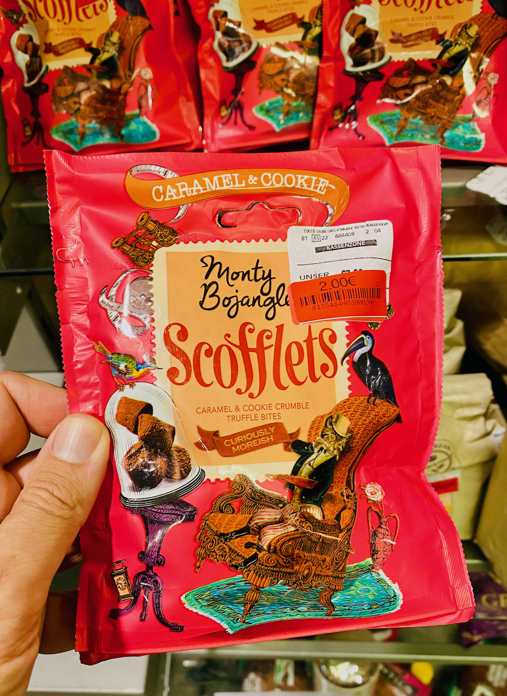 Monty Bojangles Scofflets Caramel+Cookie Crumble Truffle Bites