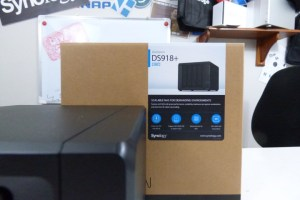 Synology DS918+ NAS Unboxing