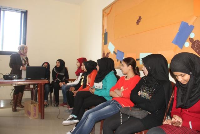 البرامج النسائية وفريق شعلة ناشط الشبابي ينظمون ورشة عمل حول مفهوم العنف الإجتماعي بين أوساط الشباب