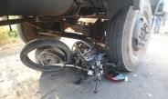 लासलगाव : भरवस फाटा रोडवर तिहेरी अपघातात युवकाचा जागीच मृत्यू, दोघे गंभीर