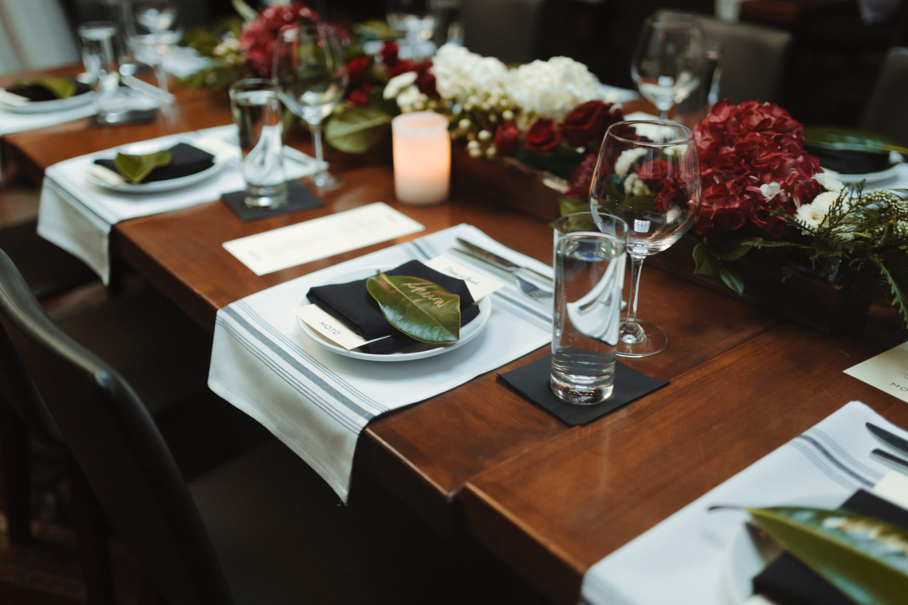 Wedding table setting with greenery escort card: Nashville brunch elopement featured on Nashville Bride Guide