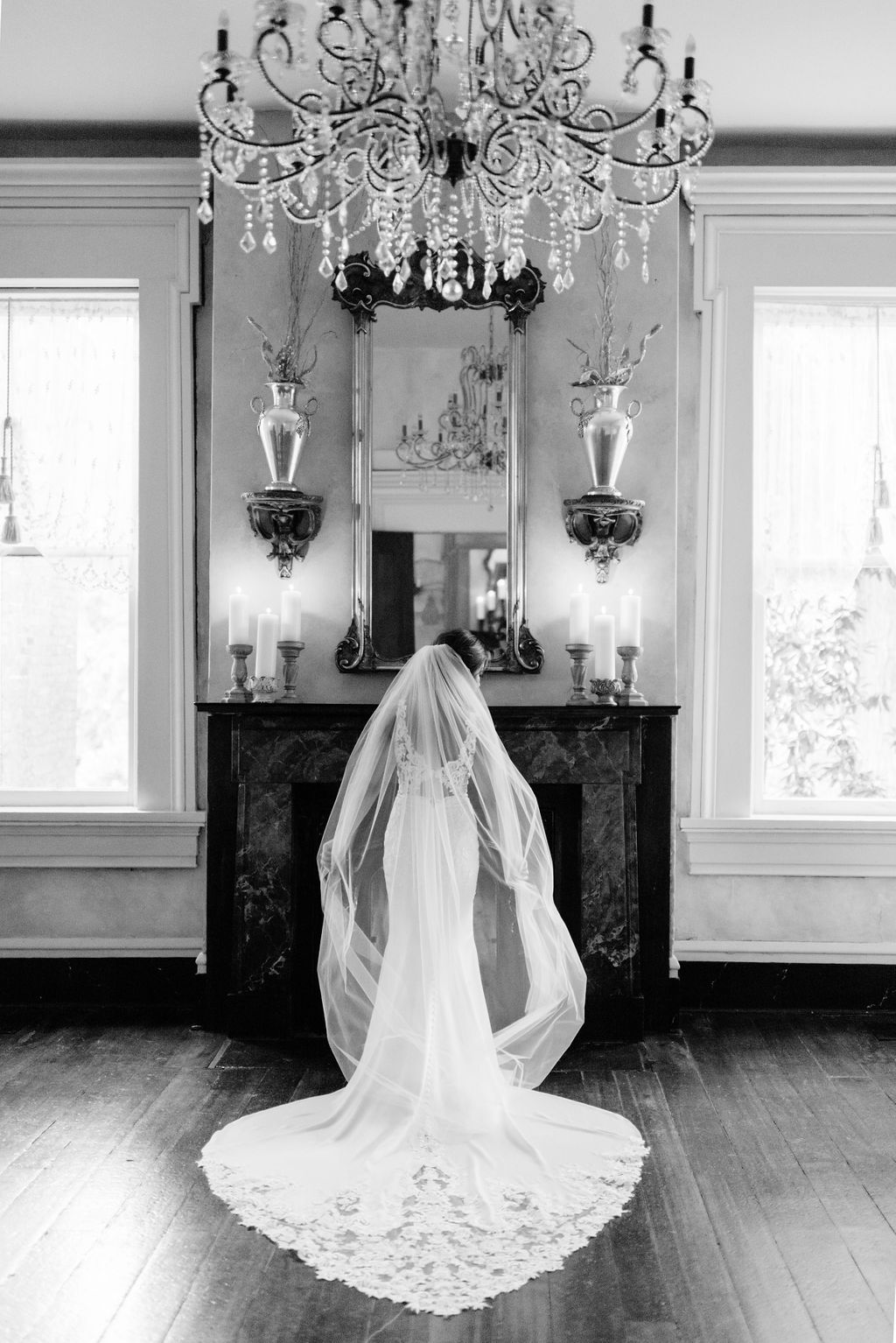 Black and white bridal portrait for Nashville wedding by Maria Gloer Photography