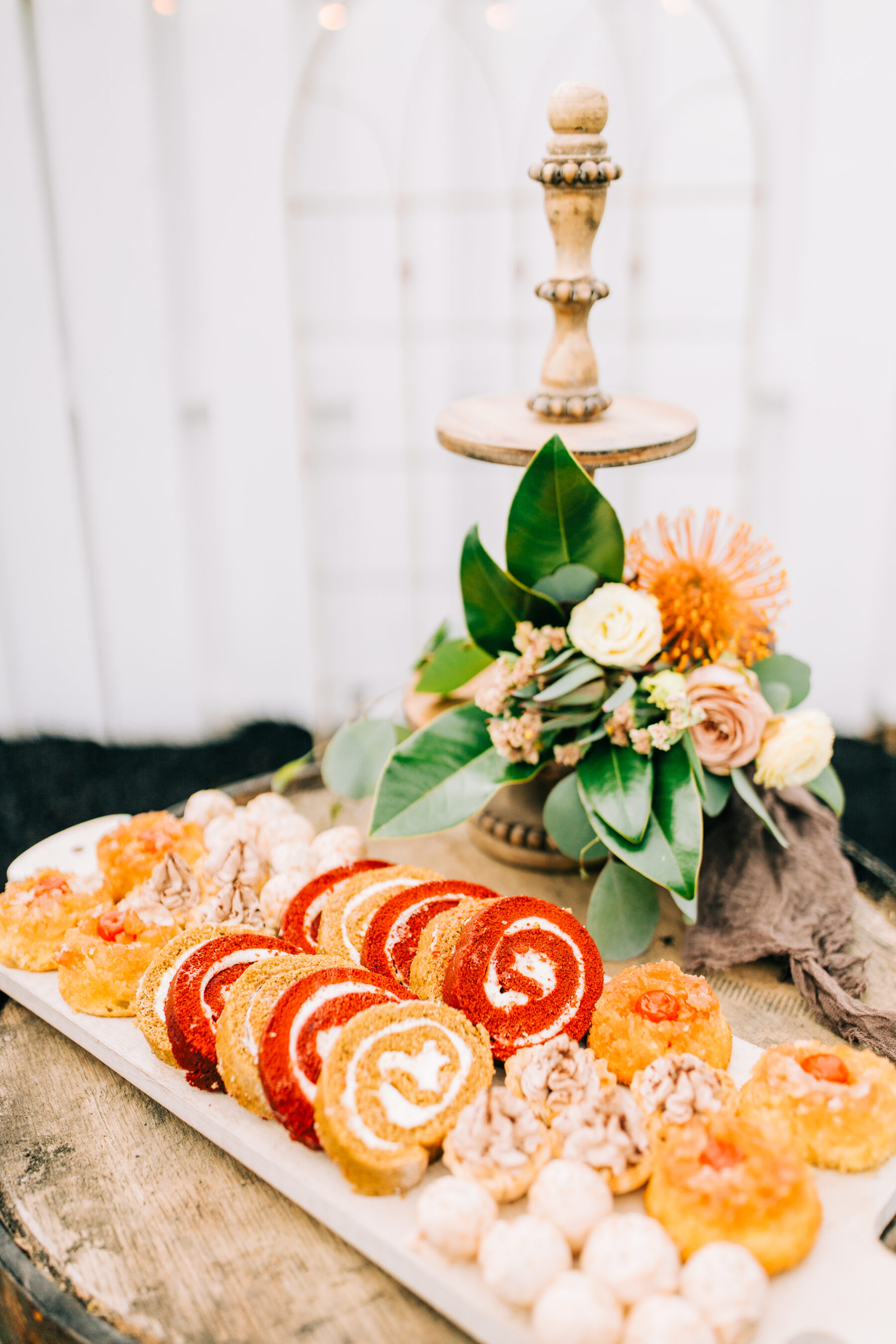 Wedding desserts: Stunning Fall Styled Shoot at Promise Manor featured on Nashville Bride Guide