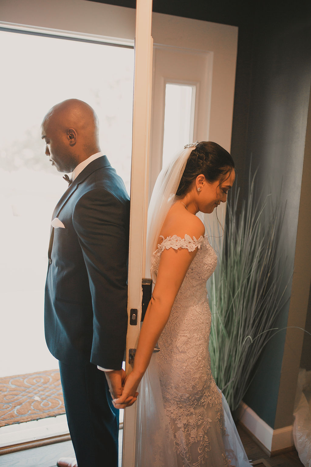 Wedding first touch: Romantic Outdoor Wedding at Reunion Stay
