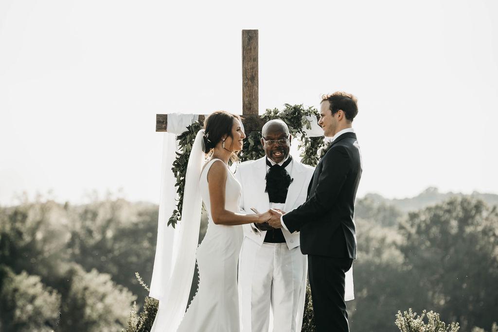 Allenbrooke Farms outdoor wedding ceremony