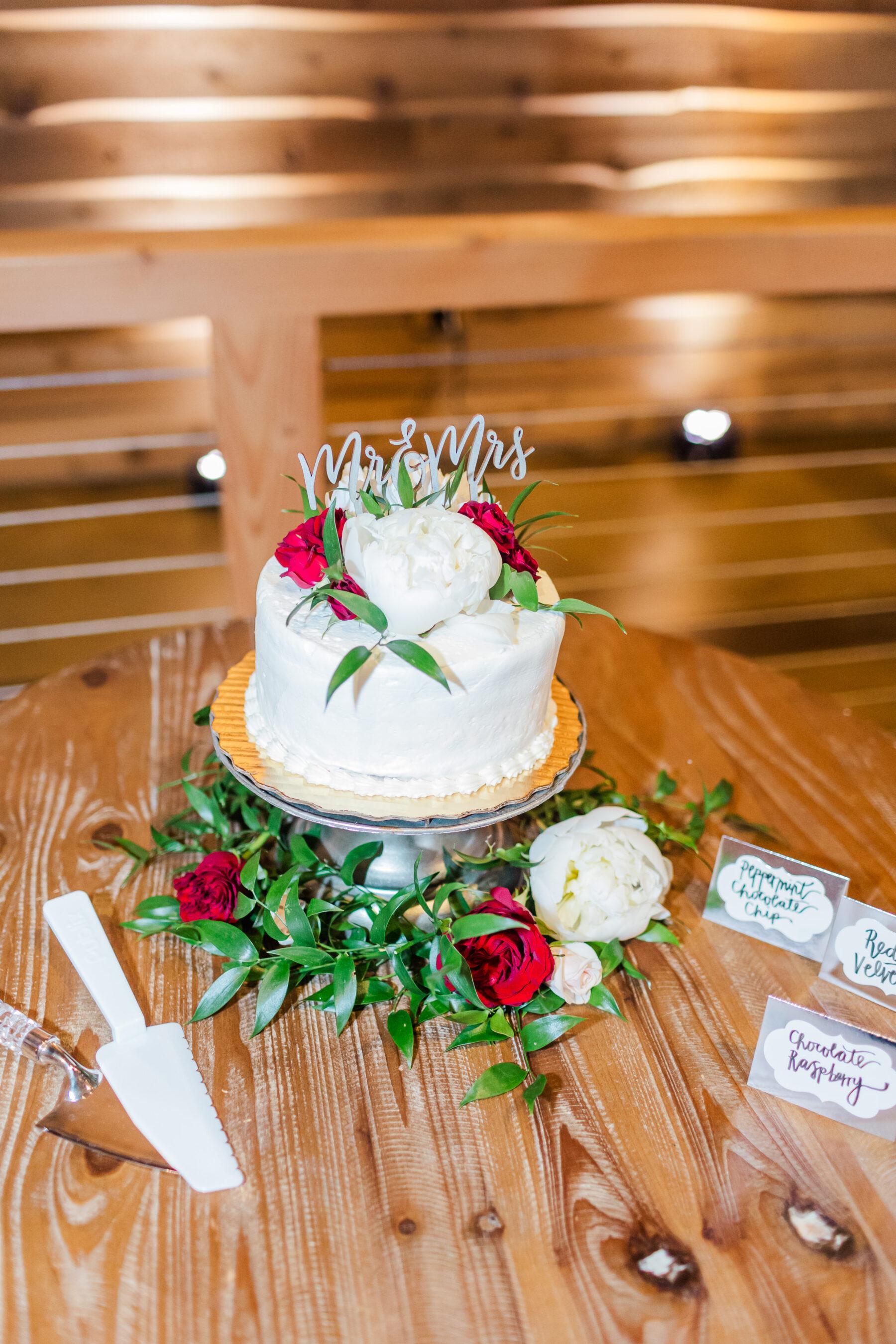 Nothing Bundt Cakes red and white wedding cake | Nashville Bride Guide