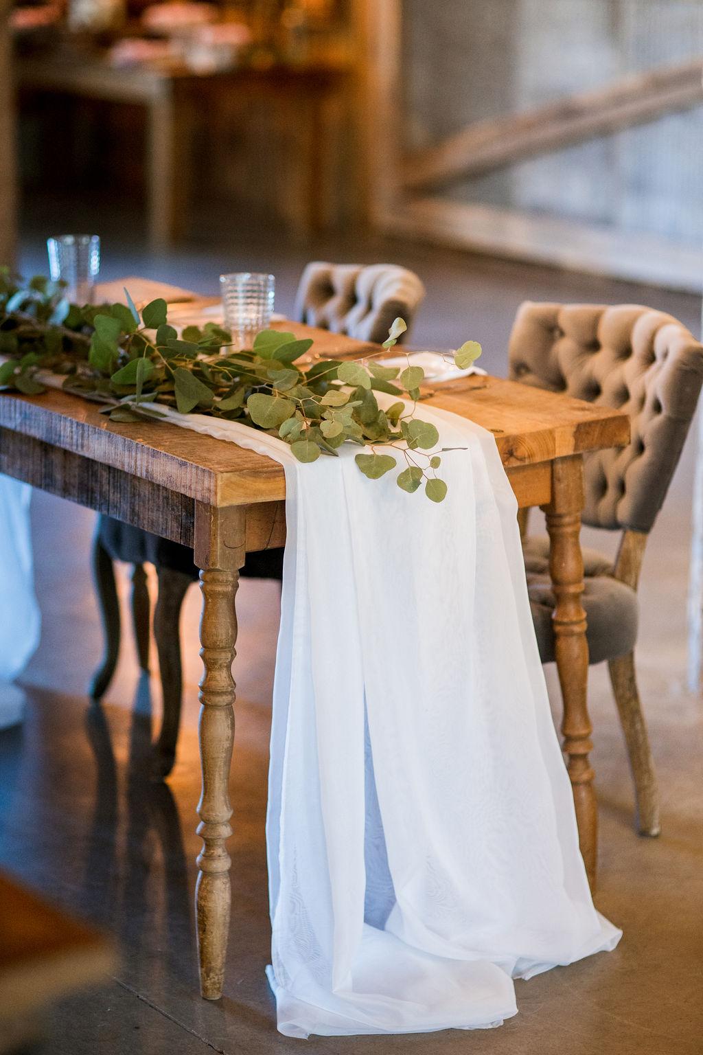 Simple wedding sweetheart table setup   Nashville Bride Guide
