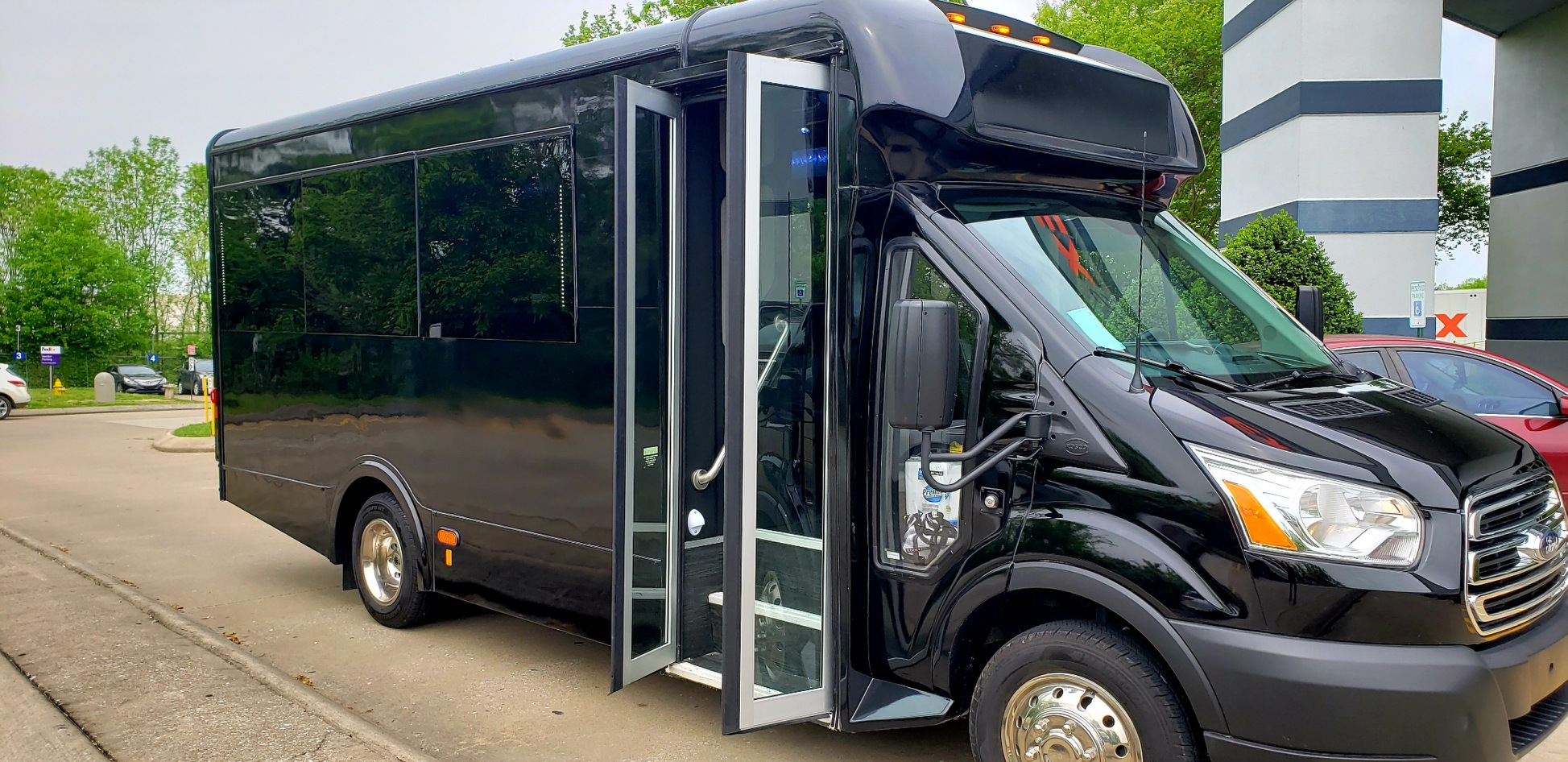 Nashville- Chauffeur-Ford Transit