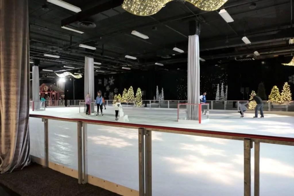 Gaylord Opryland Christmas 2017 - indoor ice rink