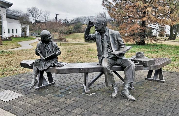 Readers Bronze Statue Front Nashville Green Hills Library