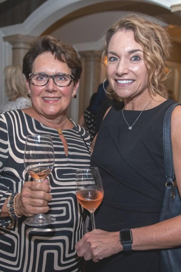 Lynne Teckman, Lori Thoeny