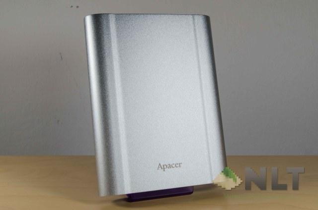 Apacer AC730 pose