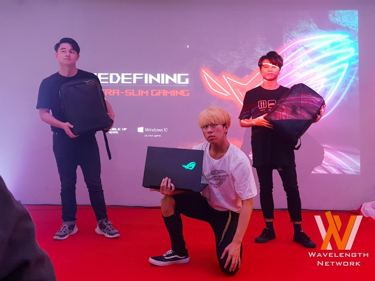 ASUS ROG Brings ROG Collection T-Shirts & Backpacks