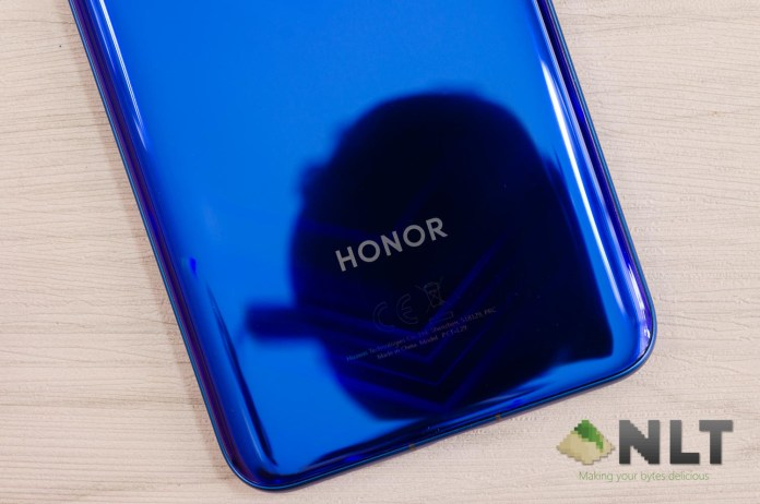 Review - HONOR View20 15