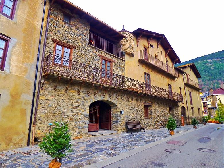 Andorra Gezi Rehberi, Andorra Gezilecek Yerler, Andorraya Nasil Gidilir, Barselona Gezilecek Yerler, Andorra'da Nerede Kalinir, Ordino Gezi Rehberi