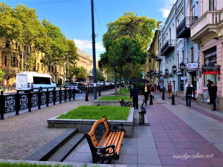 Tiflis Gezi Rehberi, Tiflis Gezilecek Yerler, Gürcistan Gezi Rehberi, Gürcistan Gezilecek Yerler, nasilgezdim, Rusteveli Caddesi