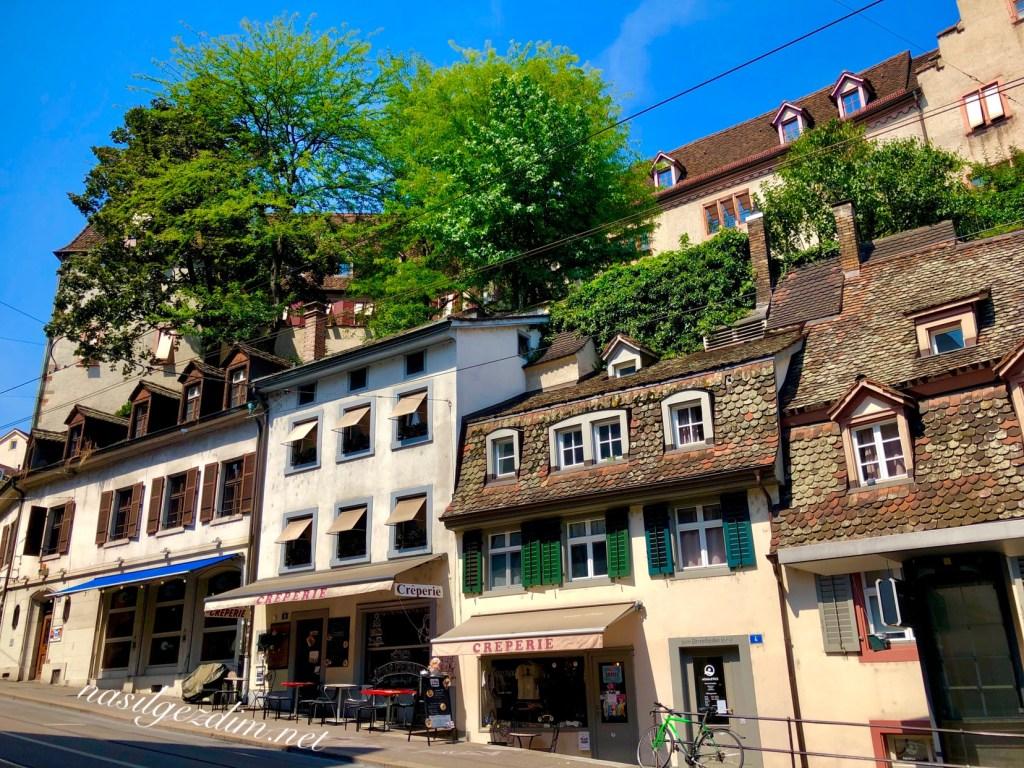 basel gezilecek yerler, basel barusserplatz, barusserplatz basel, barusserplatz, basel gezi rehberi