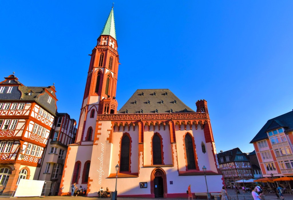 frankfurt gezi rehberi, frankfurt gezilecek yerler, alte nikolaikirche, frankfurt gezilecek yerleri, frankfurt almanya, frankfurt nerede