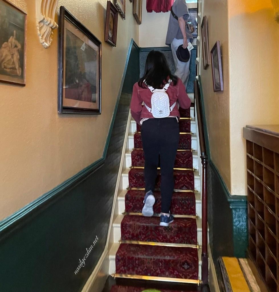 sherlock holmes müzesi, sherlock holmes müzesi gezi notları, 221b baker sokağı, kondra'nın en iyi müzeleri, sherlock holmes evi
