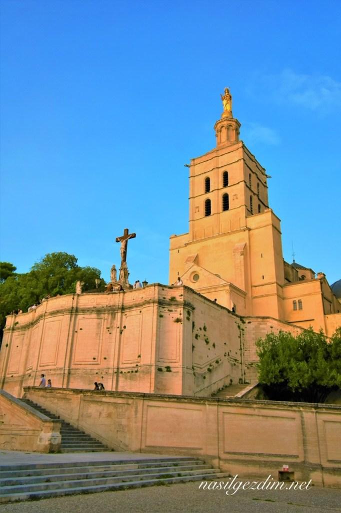 avignon gezilecek yerler, avignon gezi rehberi, avignon fransa, avignon cathedral