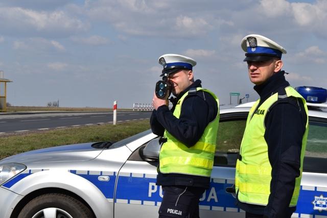 Policjanci drogówki z Komendy Powiatowej Policji w Śremie
