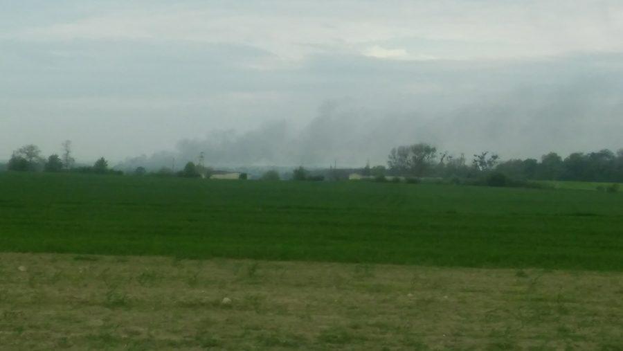 Nad wysypiskiem śmieci w Pyszącej cały czas unosi się gęsty dym