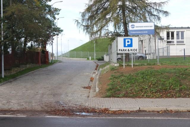 Śremski Park&Ride na Zamenhofa już czynny: 73 oświetlone i monitorowane miejsca parkingowe