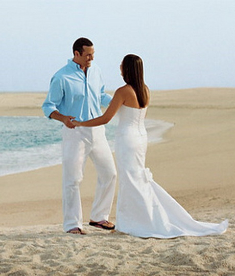 Beach wedding clothes