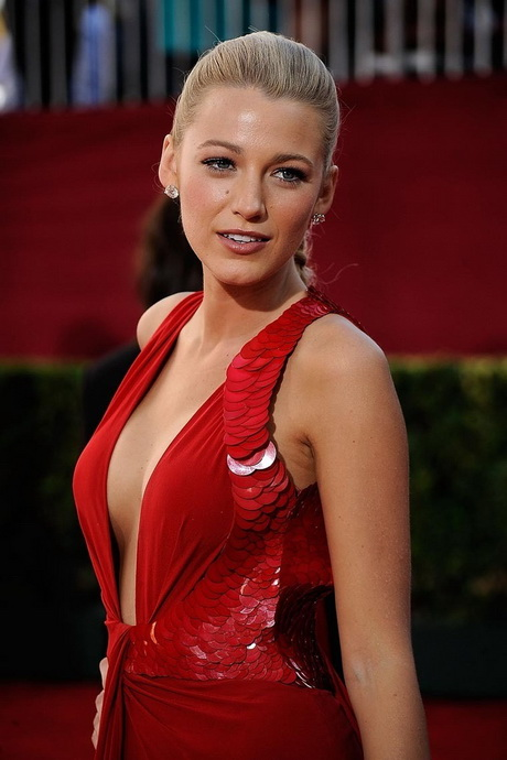 Blake lively red dress